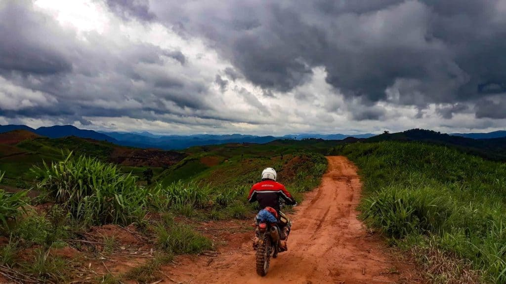 laoadv-tours-motorbike-off-road-laos