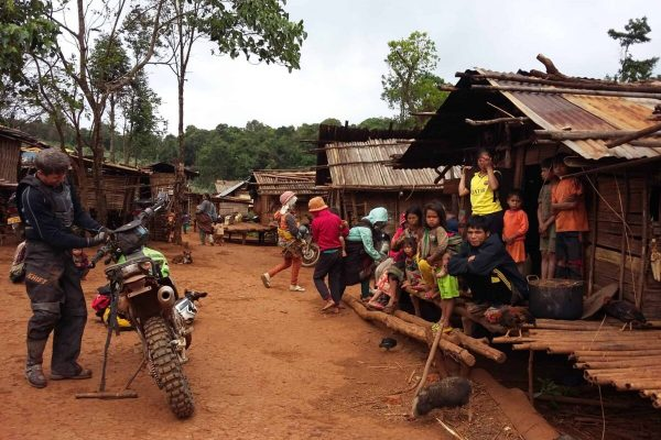 lao-adv-tours-thehochiminhtrail-laos
